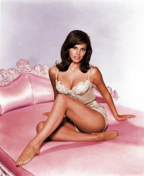 More Babelicious Raquel Welch curves to inspire!